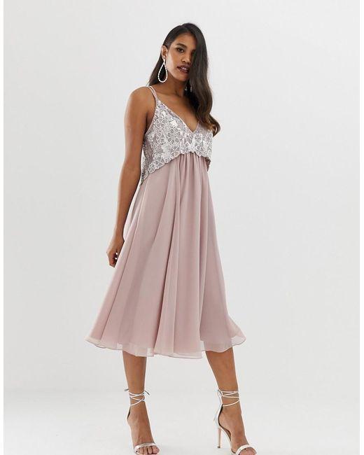 71a870d35 ASOS - Pink Vestido midi estilo camisola con corpiño corto con perlas y  adornos - Lyst ...