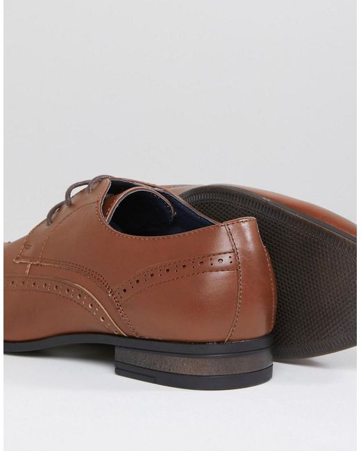 Brogue With Embossed Detail In Tan - Tan New Look 679MT
