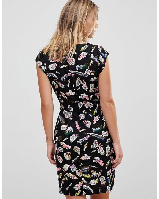 Crossover Dress In Feather Print - Black Trollied Dolly zK4QYE6