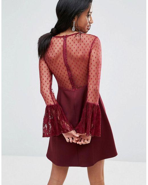 7867523c596 ... Elise Ryan Petite - Red Robe trapze courte avec volants en dentelle et  manches longues vases
