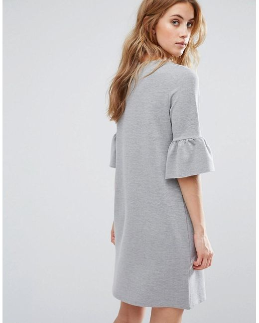 Buy New Look Women's Gray Ruffle Sleeve T-shirt Dress. Similar products also available. SALE now on! New Look Women's Gray Ruffle Sleeve T-shirt Dress See more New Look Casual and day dresses. From ankle to over-the-knee styles. Color: gray Gallery. Women's T Shirt Dresses. Follow us. Mobile. Learn about the new Lyst app for iPhone and Price: $