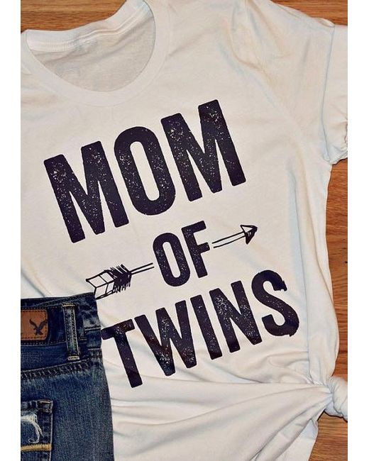 e30e98b0c Belle lily Mom Of Twins Arrow T-shirt in White | Lyst