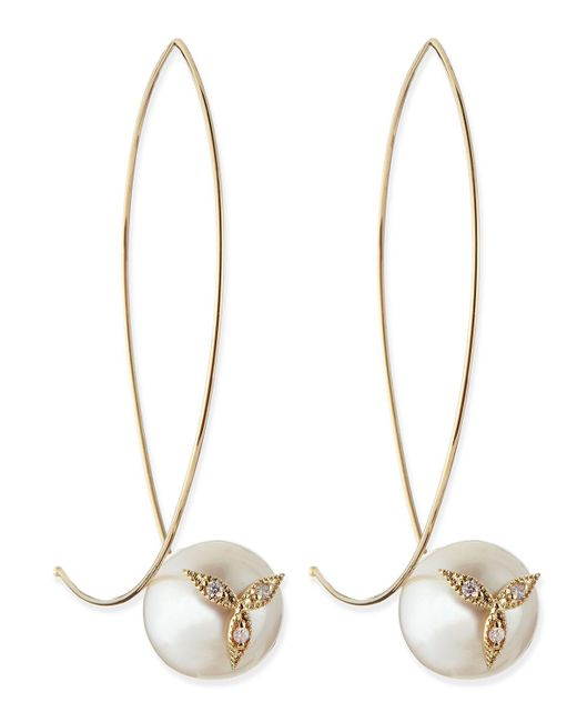 Mizuki | Metallic 14k Gold Diamond Flower On Pearl Earrings | Lyst