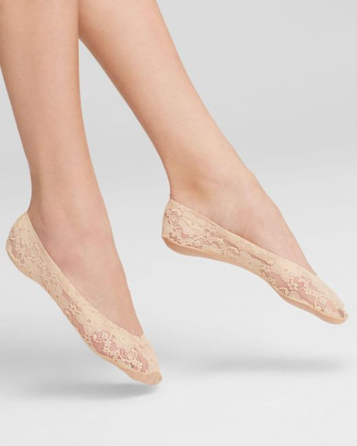 Hue - Natural Lace Perfect Edge Liner Socks - Lyst