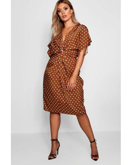 d8773e720ee7d Boohoo Plus Twist Front Polka Dot Midi Dress in Brown - Save 44% - Lyst