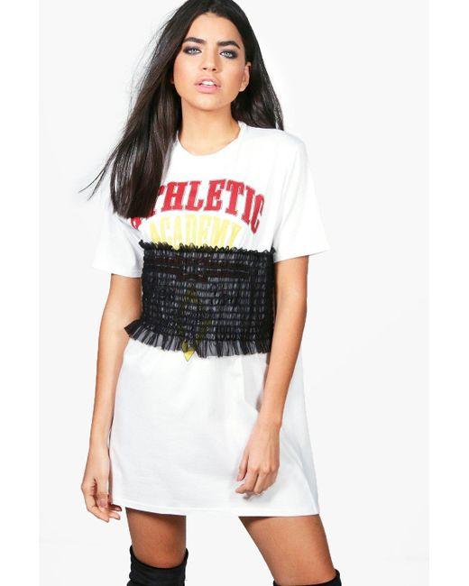 Boohoo | White Louise Shearing Printed T-shirt Dress | Lyst