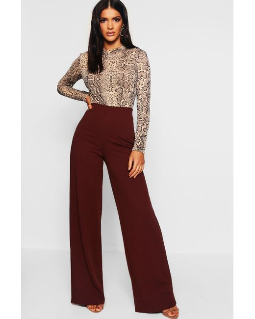 2952dfb1be23 Boohoo - Brown Basic Crepe Wide Leg Trousers - Lyst ...