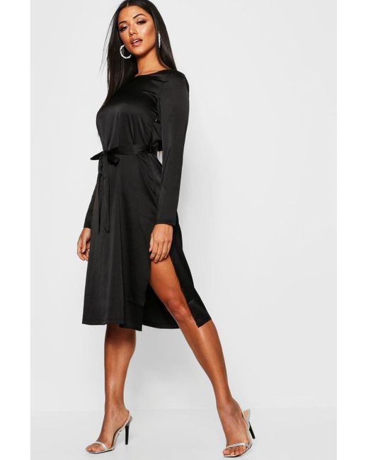 758020a467fa Boohoo - Black Satin Long Sleeved Tie Waist Midi Slip Dress - Lyst ...