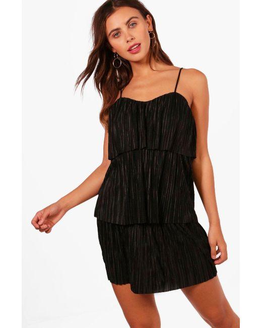 Boohoo | Black Petite Fiona Tiered Pleated Dress | Lyst