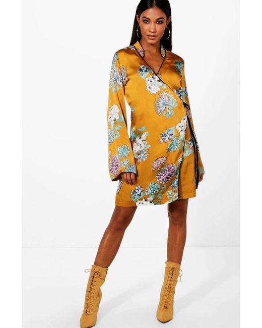 Boohoo - Multicolor Premium Oriental Floral Wrap Kimono Dress - Lyst