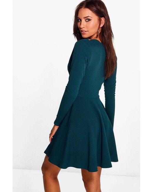 c2c0e563f9a4 ... Boohoo - Red Long Sleeved Scallop Plunge Skater Dress - Lyst