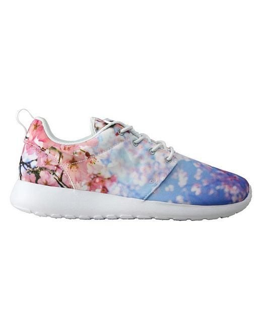 nike roshe run cherry blossom sneakers in floral cherry. Black Bedroom Furniture Sets. Home Design Ideas