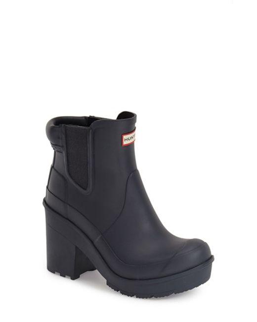 hunter 39 original block heel 39 chelsea rain boot in blue lyst. Black Bedroom Furniture Sets. Home Design Ideas