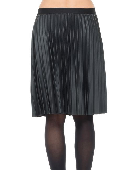 max pleated pleather skirt in black lyst