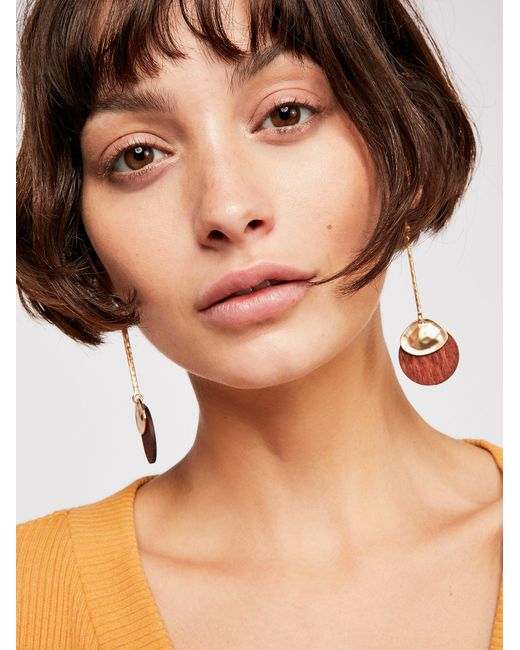 Free People - Metallic Wood Pendulum Earrings - Lyst