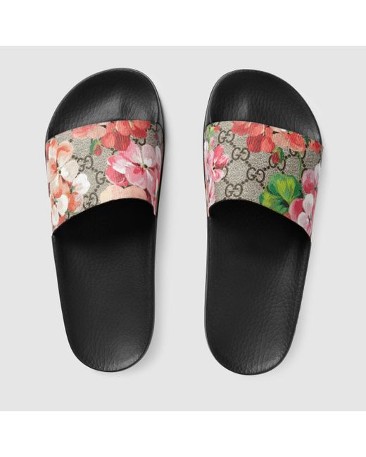 Gucci Blooms Supreme Canvas Slides in Pink - Save 17% | Lyst