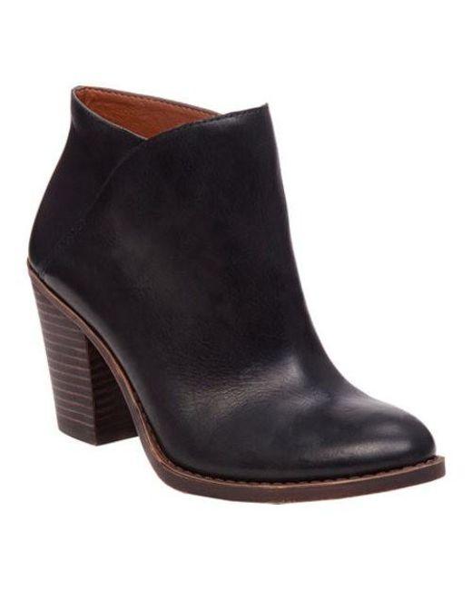 02b8fc17021 Women's Black Eesa Bootie