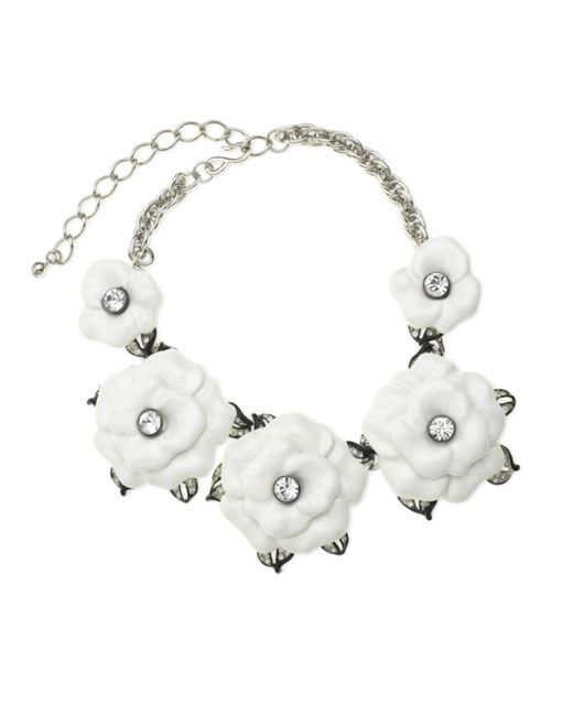 Kenneth Jay Lane   Metallic White Graduating Flower Necklace   Lyst