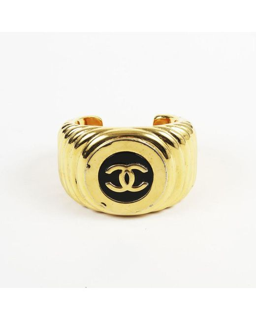 Chanel - Metallic Vintage Black & Gold Tone Resin 'cc' Cuff Bracelet - Lyst