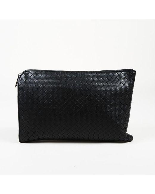 797f3c0098 Bottega Veneta Intrecciato Leather Clutch in Black - Lyst