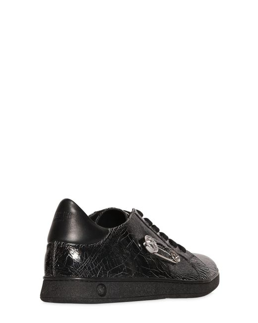 Versus SAFETY PIN CRACKLED LEATHER SNEAKERS jBHkAsXB