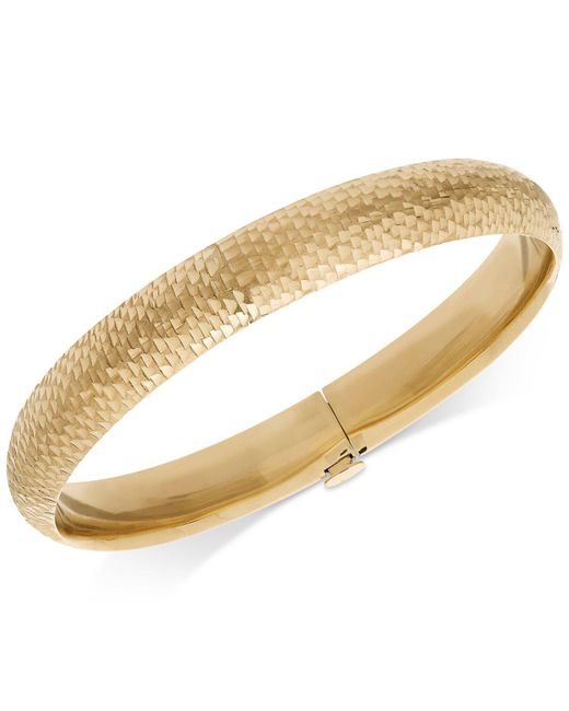 Macy's - Metallic Mermaid Textured Bangle Bracelet In 14k Gold - Lyst