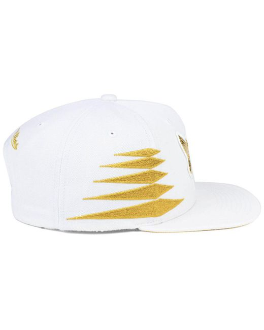 new arrival 6dfc5 57d94 ... cheapest mitchell ness metallic charlotte hornets gold diamonds  snapback cap for men e97bf 2d6da
