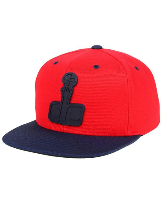 3133eecf498 Mitchell   Ness - Red Washington Wizards Rubber Weld Snapback Cap for Men  ...