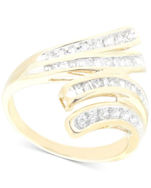 Wrapped in Love - Metallic Diamond Wave Ring (1/2 Ct. T.w.) In 10k Gold - Lyst