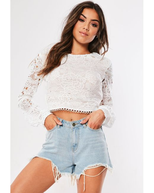 bf69a3edb6e26 Lyst - Missguided White Puff Sleeve Lace Crop Top in White