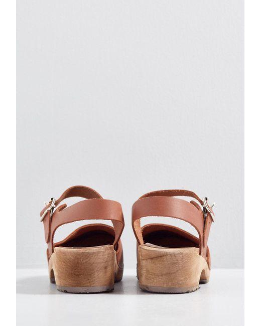 ... ModCloth - Brown Sodermalm Saunter Leather Clog - Lyst 997b70c71ff