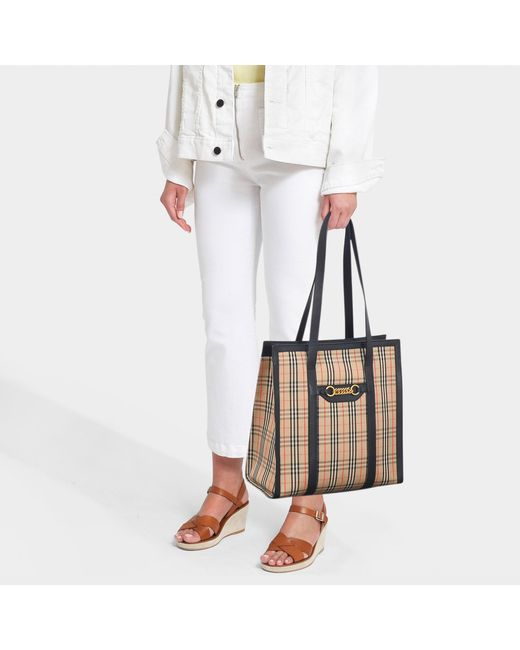 61fd938b05 Burberry The 1983 Check Link Tote Bag in Black - Save 45% - Lyst