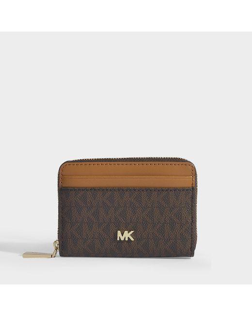 3b06e8f35bdbd MICHAEL Michael Kors - Brown Portemonnaie   Kartenetui mit Reißverschluss  aus braunem
