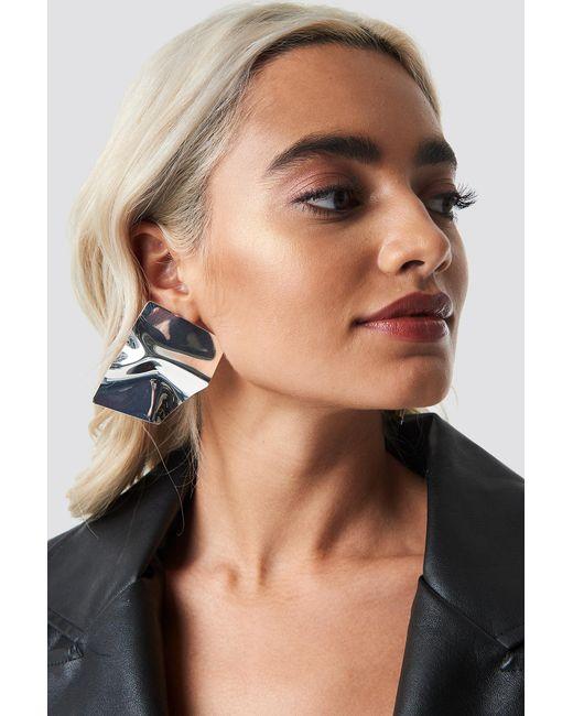 NA-KD - Metallic Big Shield Earrings Silver - Lyst