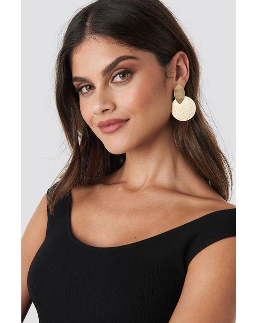 NA-KD - Metallic Textured Double Shield Earrings Gold - Lyst