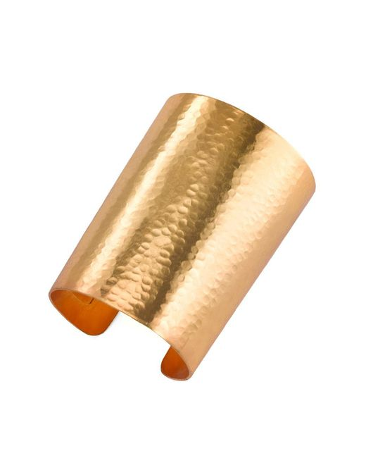 Natori - Metallic Hammered Gold Cuff - Lyst