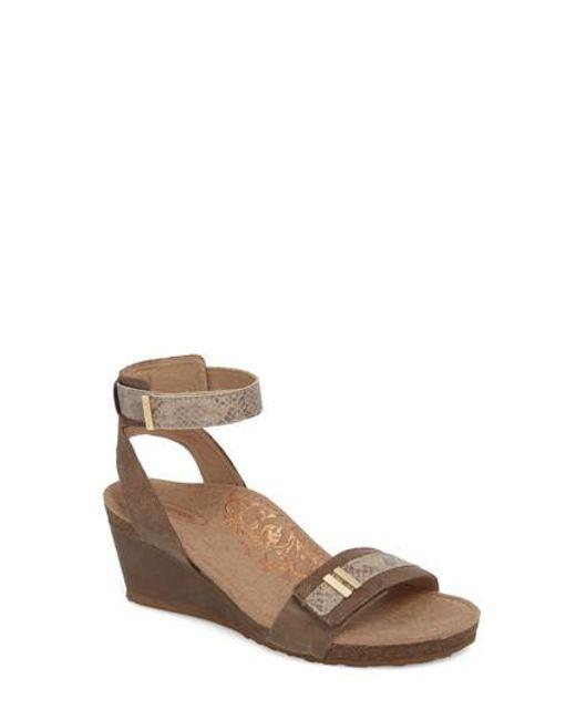 Aetrex Women's Gia Wedge Sandal 0fKbg