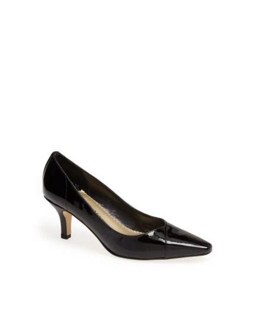 Bella Vita | Black 'wow' Kitten Heel Pump | Lyst