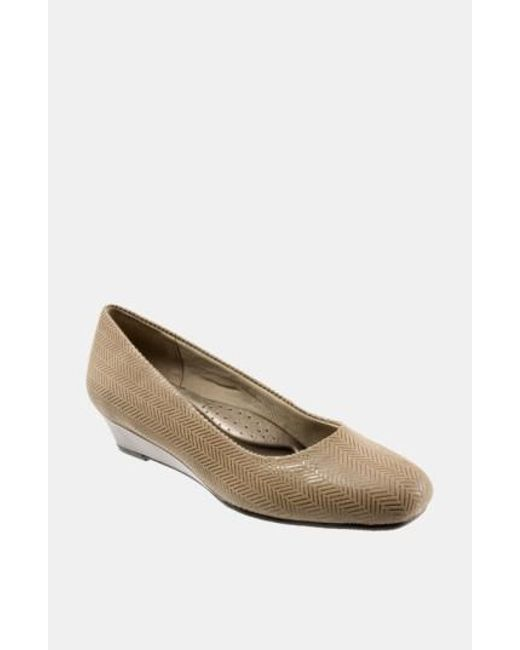 Trotters | Brown 'lauren' Pump | Lyst
