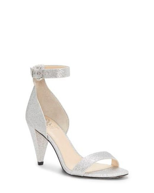 Vince Camuto Cashane