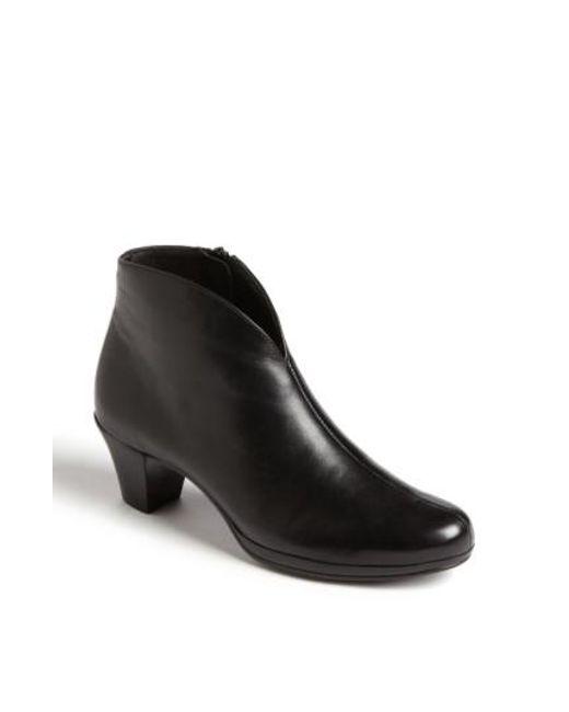 Munro - Black 'robyn' Boot - Lyst