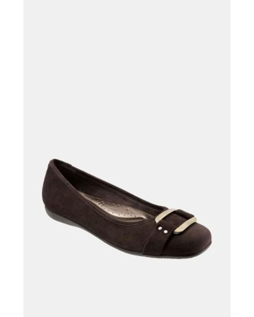 Trotters - Brown 'sizzle Signature' Flat - Lyst