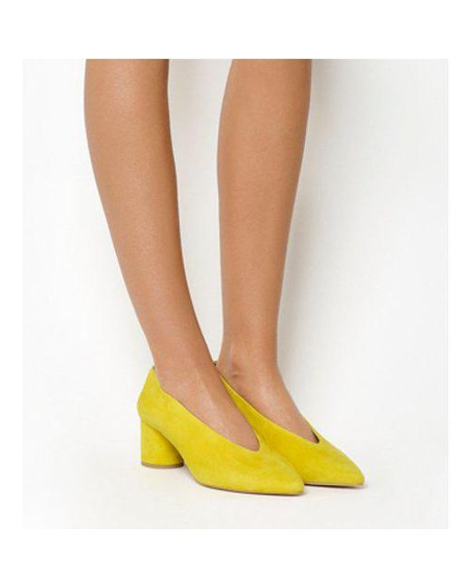 dc17fb8e17d Office Majesty Cylindrical Block Heel Point Court in Yellow - Save ...