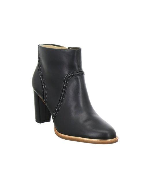 Clarks | Ellis Betty Women's Low Ankle Boots In Black | Lyst