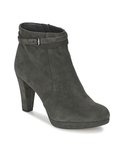Clarks - Gray Kendra Shell Women's Low Ankle Boots In Grey - Lyst