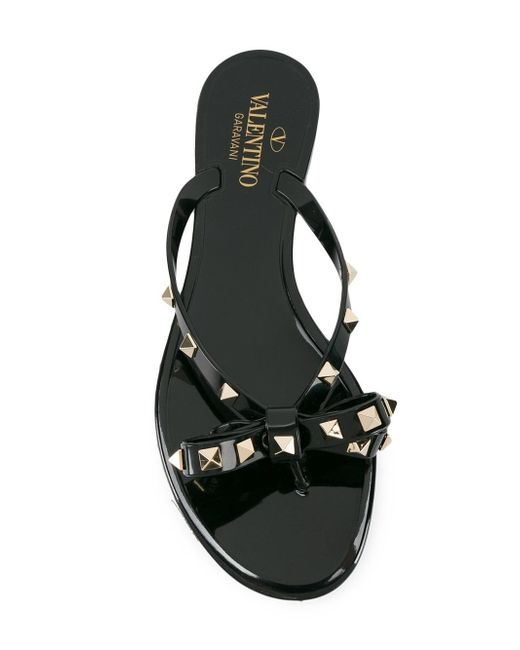valentino rockstud flip flop in black save 26 lyst. Black Bedroom Furniture Sets. Home Design Ideas