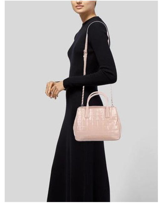 e21117e9f06 ... Tory Burch - Metallic Marion Quilted Patent Leather Tote Pink - Lyst ...