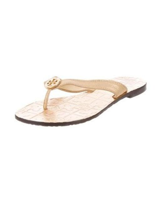 a96993a502b0b6 ... Tory Burch - Metallic Suede Thong Sandals Gold - Lyst ...