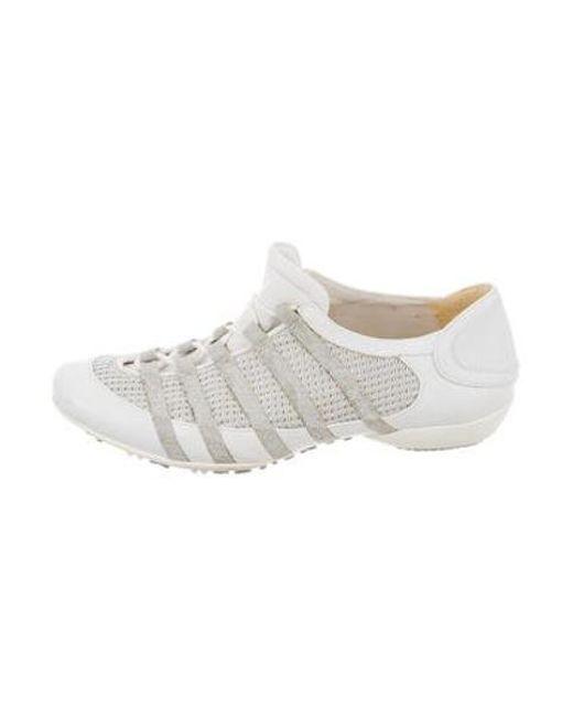 a5e219b2c8ce Stuart Weitzman - Metallic Leather Low-top Sneakers White - Lyst ...