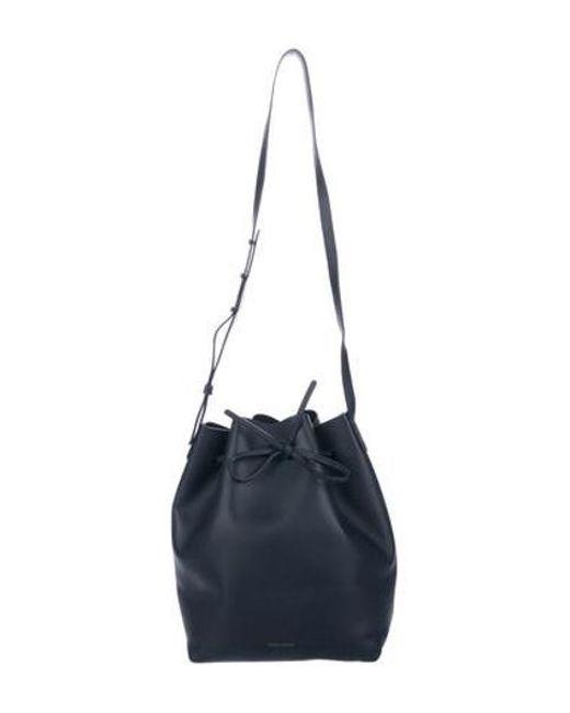 d6c3a78b5fe0 Mansur Gavriel - Metallic Leather Bucket Bag Navy - Lyst ...